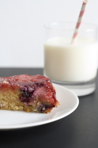 Berry Upside-down cake 2