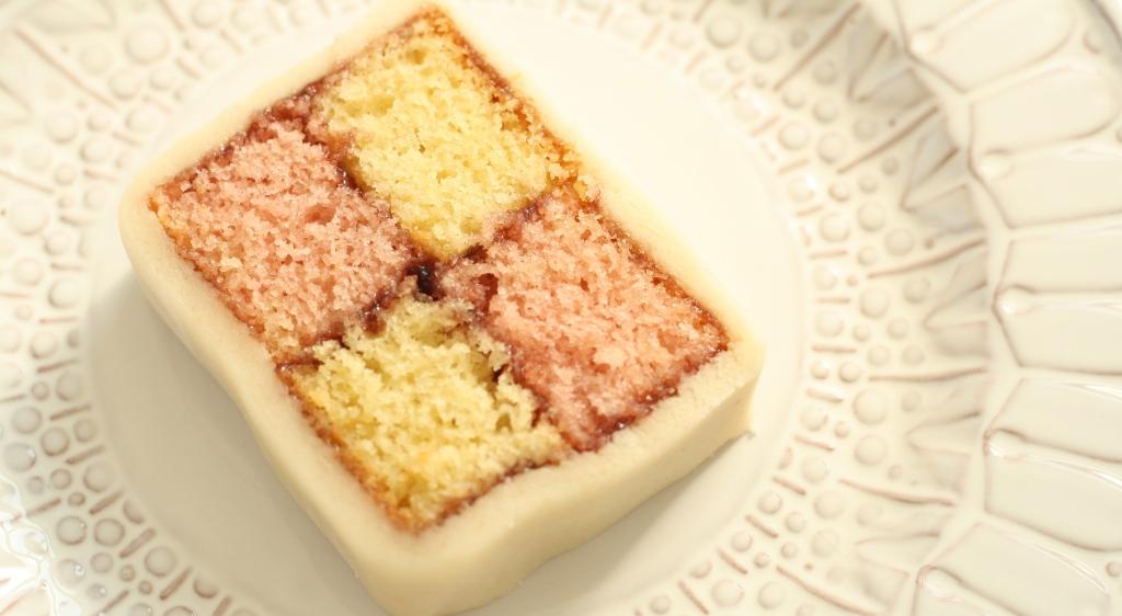 Battenberg Cake 10