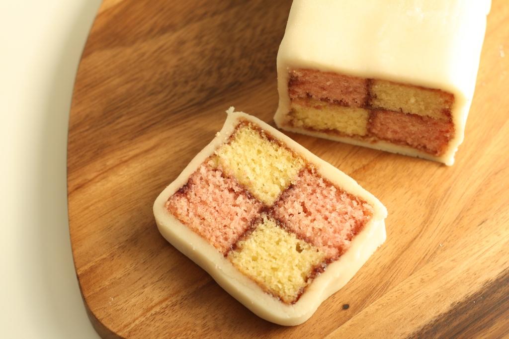 Battenberg Cake 11