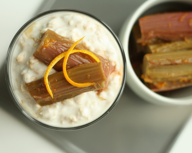 Overnight Oats with Rhubarb 2