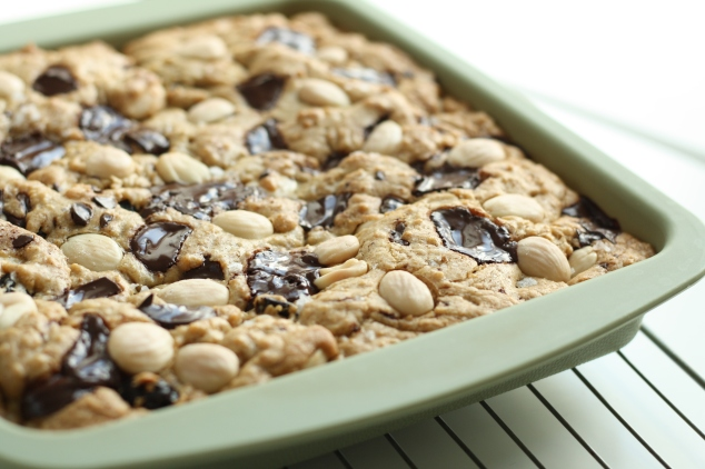 Marcona almond blondies 6