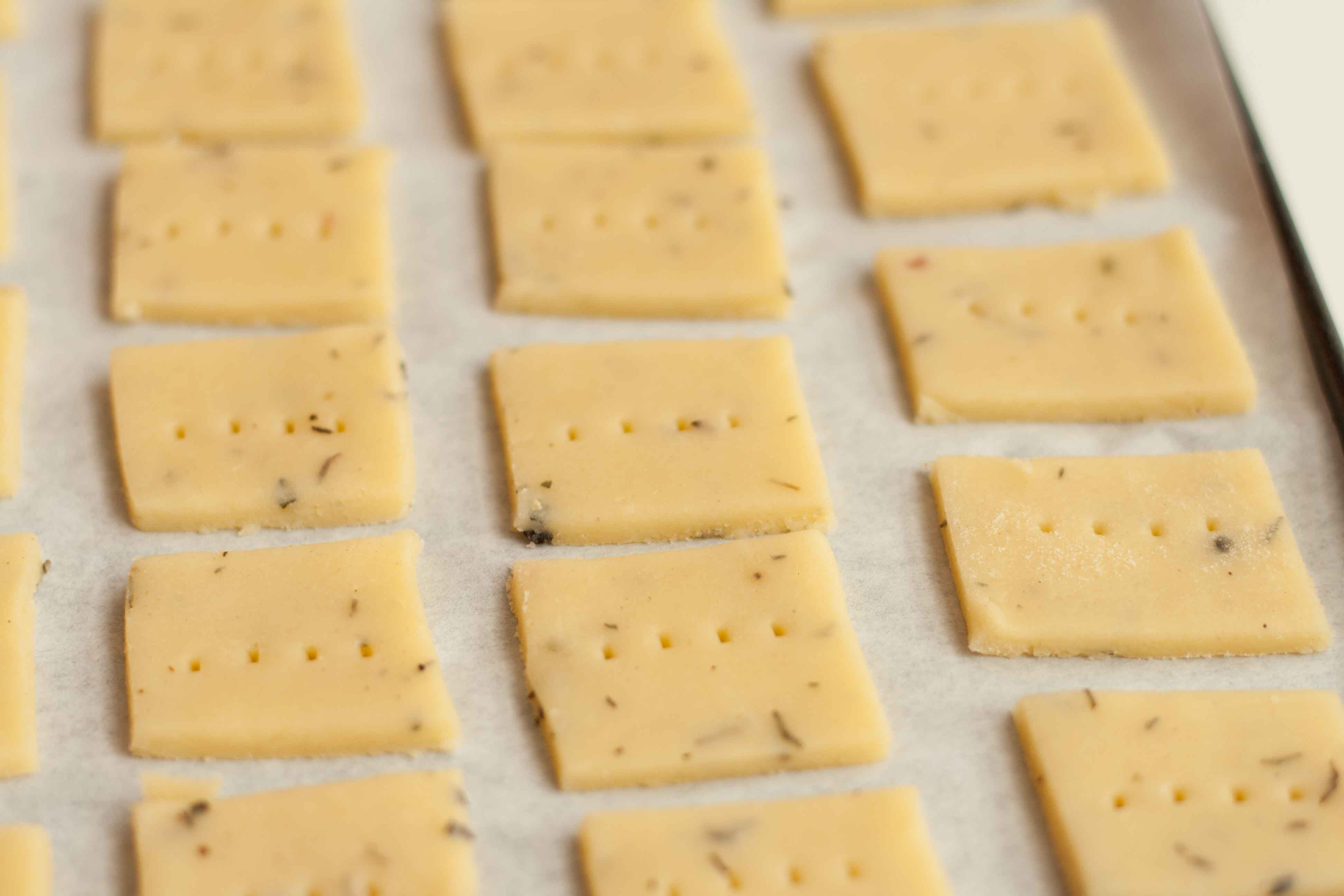 Cheddar & Thyme Crackers – Scaredy-Cat Kitchen