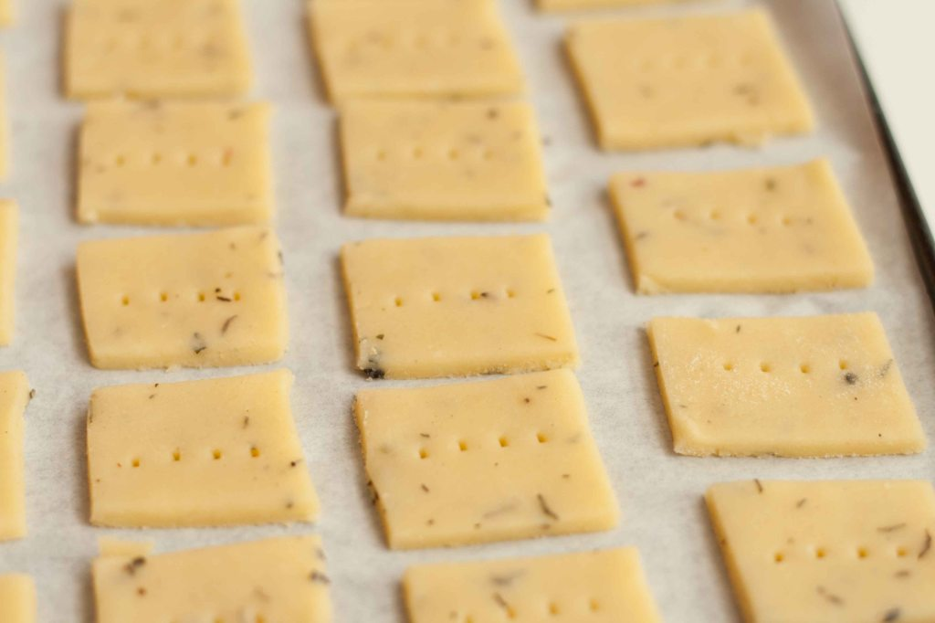Cheese Thyme Crackers 6