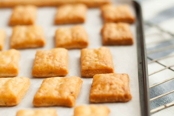 Cheese Thyme Crackers 1