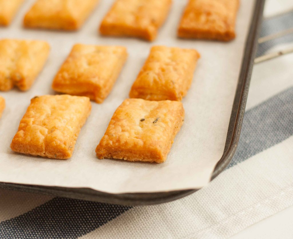 Cheese Thyme Crackers 7