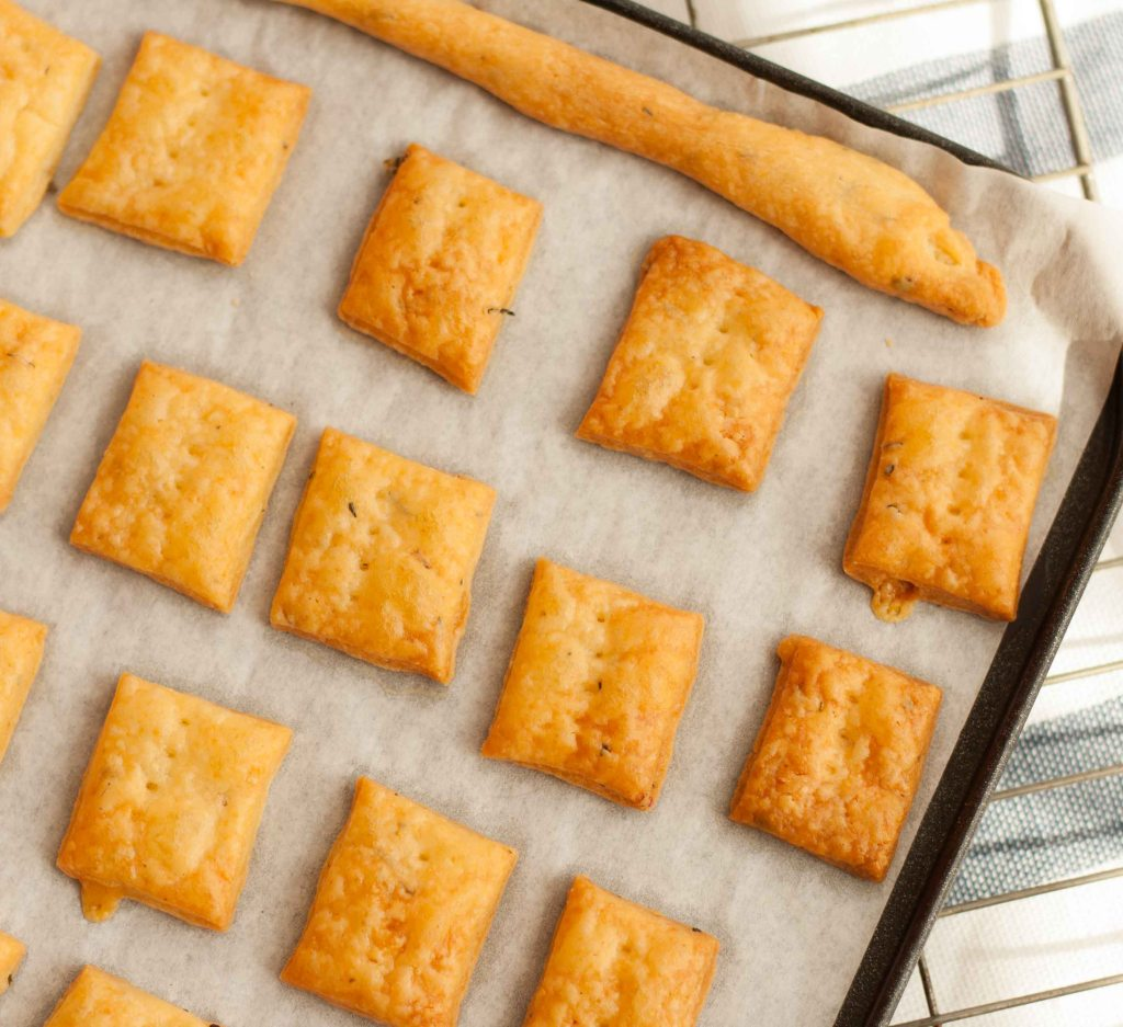 Cheese Thyme Crackers 2
