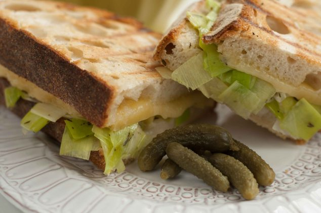 Cheese leek toasted sandwich 6